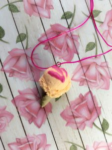 Peach Icecream Necklace
