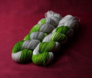 Sockenwolle 4-fach, grau trifft grün