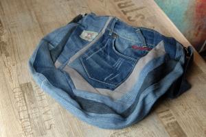 Upcycling ★ Jeans im PatchworkTaschen Stil ★ Unikat