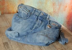 Upcycling ★ Jeans HosenTasche FirstDate gefüttert mit Baumwollstoff ★ Unikat - Handarbeit kaufen