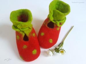 Babyschuhe aus Filz,♥ Erdbeere ♥, Filzschuhe, Geburt, filZeit, Taufe, Geschenk, Kinder,