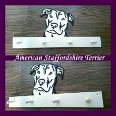 Handgefertigte Tiergarderobe American Staffordshire Terrier