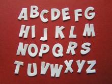 gestanztes Alphabet in Wunschfarbe
