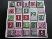 Adventskalender aus 24 weißen Schachteln
