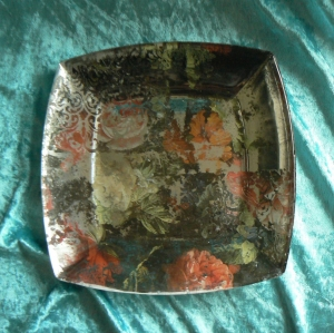 Deko-Teller Glas antik  in Decoupage-Mixed Media-Technik mit Pfingstrosen-Motiv der alten Meister - Handarbeit kaufen