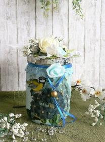Romantisches Deko-Glas mit Schrumpfbanderole Frühlingsblumen Hortensien blau  - Handarbeit kaufen