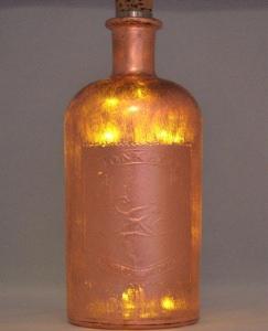 Dekoflasche, veredelt mit Blattkupfer, mit LED beleuchtet