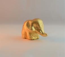 Vergoldeter Elefant aus Ton