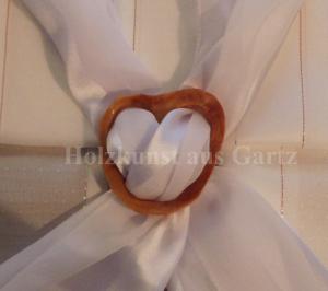 Handgefertigte Tuchschließe aus Holz - naturfarbe - Handarbeit kaufen
