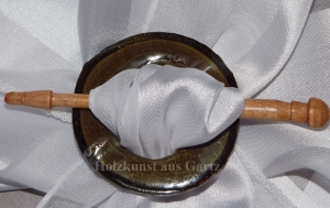 Handgefertigte Fibel aus Walnussholz - Handarbeit kaufen