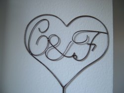 Herz mit Initialen / Buchstaben nach Wunsch Liebe Verlobung Hochzeit aus Metall in Handarbeit gefertigt