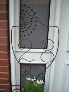 metallarbeiten wappen aus metall mit initialen buchstaben nach wunsch in handarbeit. Black Bedroom Furniture Sets. Home Design Ideas