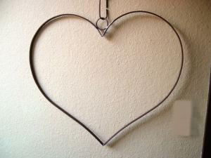 XL Herz aus Flacheisen mit Rind zum aufhängen - Ø 65 cm - für jeden Anlass - Handarbeit kaufen
