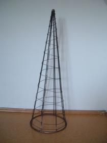 Pyramide aus Metall - mit Draht umwickelt - für Innen & Außen - tolle Deko