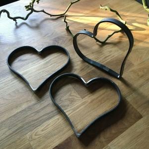 Herz aus Metall - Metallherz aus Flacheisen - Eisenherz - sehr robust