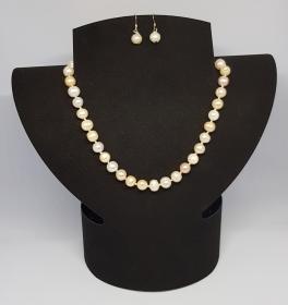 Perlen Halskette ,Länge 46cm, handgeknüpft dazu passende Ohrhänger