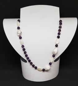 Amethyst/Perlmutt/Howlith Halskette, Länge 68cm, handgeknüpft