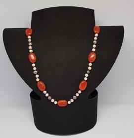 Korallen/Süsswasser Perlen Halskette, Länge 59cm, handgeknüpft