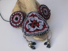 Außergewöhnliche Häkelkette, Halskette, Textilschmuck