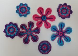 Applikations Set (7-teilig): Häkelblumen, Rosetten in lila, pink und türkis