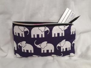 Mäppchen/ Federmappe/ Stiftemäppchen/ Schminktasche Lila mit Elefanten