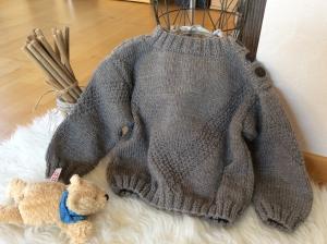 Lässig eleganter Kinder Pullover  - Handarbeit kaufen