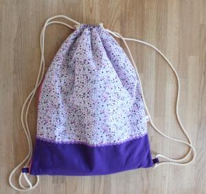 Wickel-Turnbeutel / Wickel-Gymsac aufklappbar als Wickelunterlage mit Taschen für Feuchttücher und Windeln von T.E.Atime