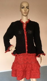 Gr. 38, Gestricktes Ensemble, Kostüm, Jacke, Rock, Folklore, Trachten, schwarz, rot, Ajour,