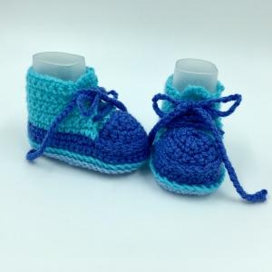 Gr.62/68, handgehäkelte Baby Stiefelchen, Sneakers, blau, türkis