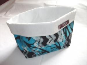 Körbchen genäht aus afrikanischem Batikstoff in Blautönen, Weiß und Schwarz - Handarbeit kaufen