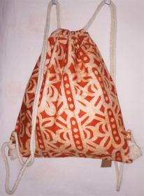 Turnbeutel aus handgebatiktem Baumwollstoff in tollen afrikanischen Farben: Orange und Weiss - Handarbeit kaufen