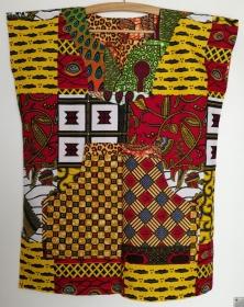 Farbenfrohes afrikanisches Shirt mit Kängurutasche  - Handarbeit kaufen