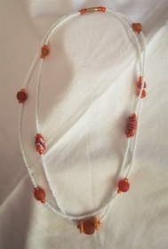Tolle Kette- aus handgefertigten afrikanischen Glasperlen in Orangetönen, handgefertigt    - Handarbeit kaufen