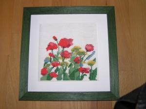 Gesticktes Bild mit mit Wiesenblumen