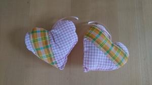 2 tlg Aufhänger-Set Herz genäht aus Baumwollstoffen, rosa kariert, dezent mit Lavendel gefüllt - Valentinstag kaufen