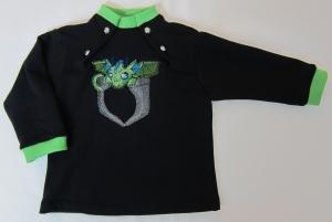 schwarzer Babypullover mit knöpfbarem Halsloch und grüner Drachen Stickerei Gr.82