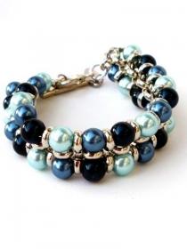 Blaue Armband mit Glasperlen und silberfarbige Jasseronkette. Handgefertigte blaue Armreif, silberfarbig Knebelverschlüß, Schmuck, Per Elle - Handarbeit kaufen
