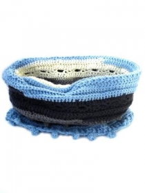 Gehäkelte Schlauchschal in grau, hellblau und écru. Handgefertigte wollen Loopschal, handgehäkelte Schal, Häkelschal, Häkelkante Bällchen - Handarbeit kaufen