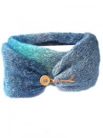Handgestrickte blaue Schlauchschal, schließt mit ein Knopf. Handgefertigte Damenschal, Loopschal mit Farbverlaufgarn und Glitzerfaden