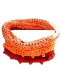Gehäkelte Schlauchschal, verschiedene Töne orange rot. Handgefertigte wollen Loopschal, handgehäkelte Schal, Häkelschal, Häkelkante Bällchen - Handarbeit kaufen