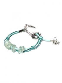 Minzegrüne Armband mit Lederschnur, Wachsfaden und Gläserne Perlen. Handgefertigte Armreif, minzegrüne wiederverwendete Glasscheiben, Bettel