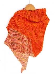 Orange Dreieckstuch von Hand gestrickt. Handgestrickte Umschlagtuch, gestrickte Schal, Schultertuch, Sommer Stola - Handarbeit kaufen