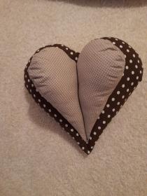 Praktisches Nackenkissen, ideal zum Lesen im Liegen auf dem Sofa