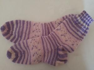Handgestrickte Kindersocken, Gr. 32/33, Pastelltöne
