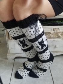 handgestrickte Kniestrümpfe, Cat, Knee tight Socks,Gr.38/39,Schwarz/ Weiß   - Handarbeit kaufen