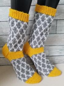 handgestrickte Socke Fair Isle Muster Gr.42/43 Gelb, Grau,Weiß - Handarbeit kaufen
