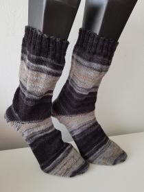 handgestrickte Socke , Gr.46/47 Schwarz/Beige - Handarbeit kaufen