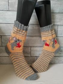 handgestrickte Socke Maus mit Herz  Gr38/39, Grau/ Apricot