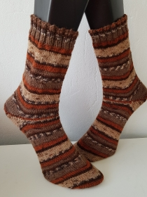 gestrickte Socke  Gr.42/43 Brauntöne - Handarbeit kaufen