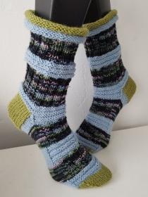 handgestrickte Socke, Rollrand  , Gr.40/41 ,Grün/ Hellblau  - Handarbeit kaufen